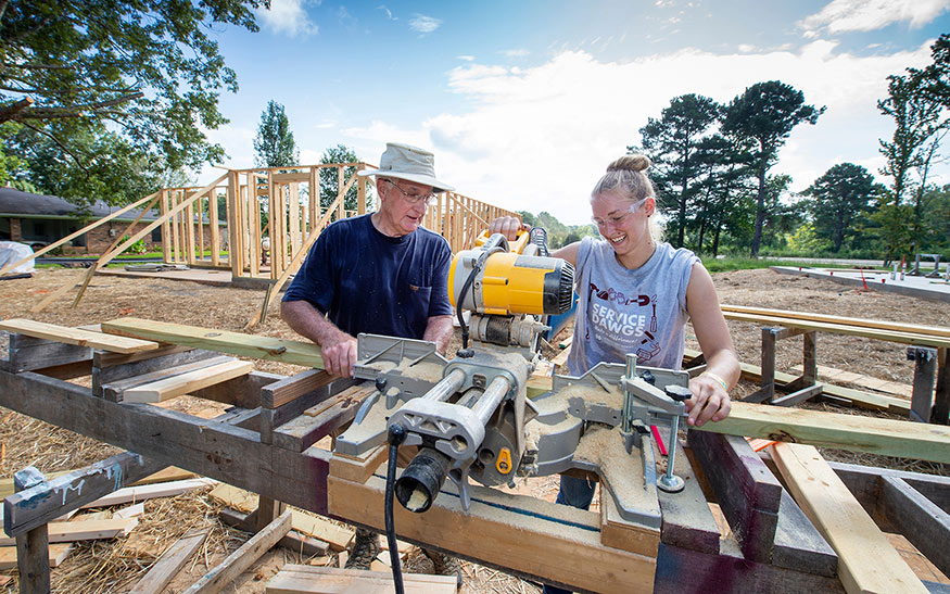 Service_Dawgs_Volunteers-Habitat_for_Humanity_20190819_M4B3972_full