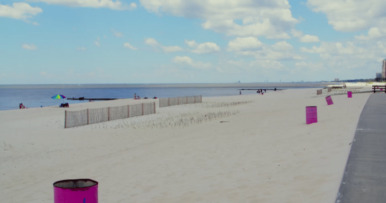 Mississippi is home to the world's largest manmade beach
